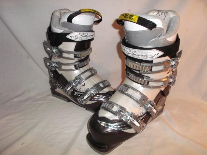 Botas Esquí Salomon Divine chica en