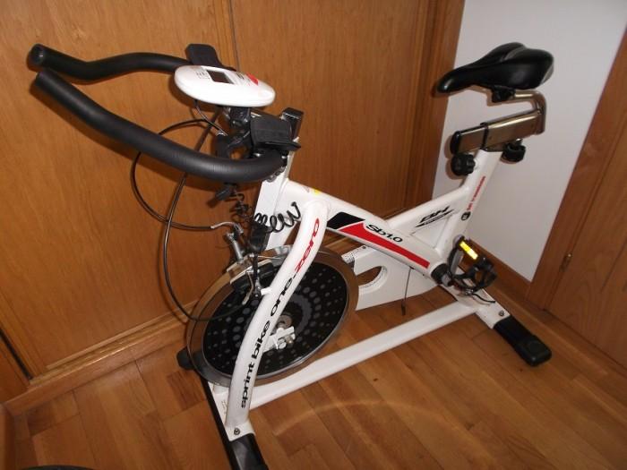 Bicicleta Spinning BH SB 1.0 en