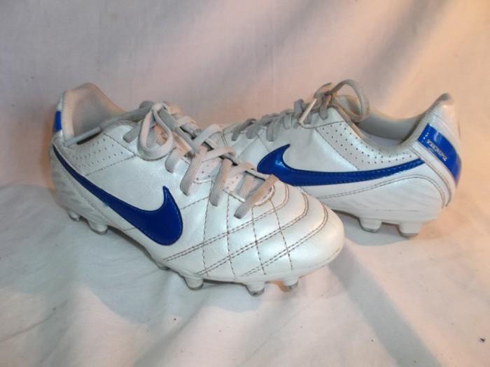 Botas Futbol Nike niño en