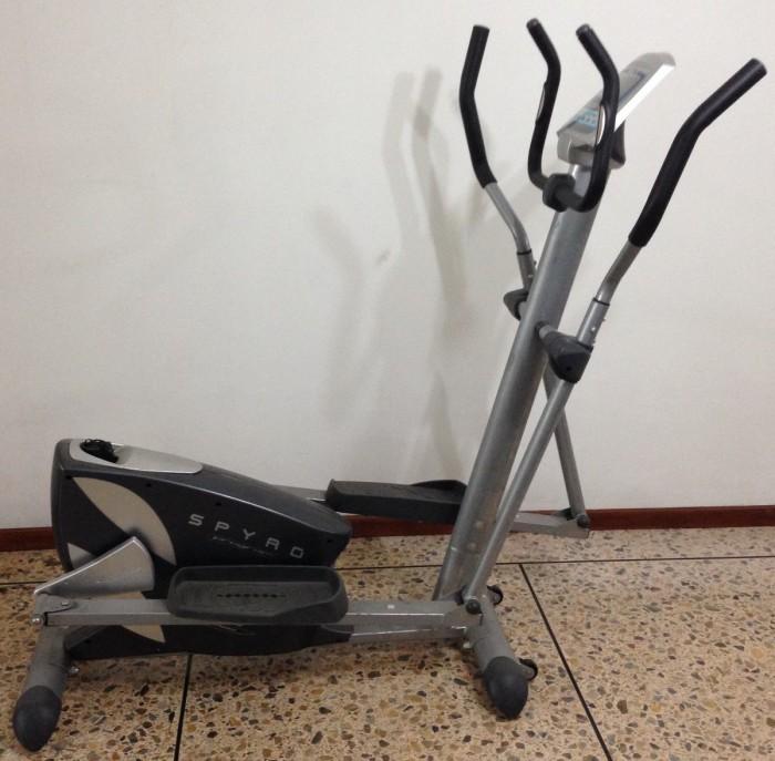 Bicicleta Elíptica BH Fitness Spyro en