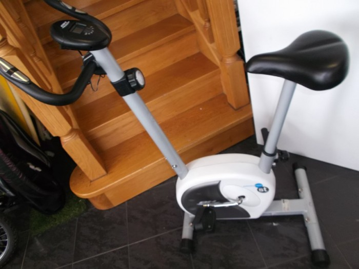 Bicicleta Estática Bh Fitness H261 en