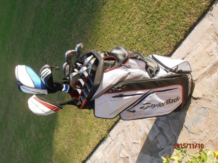 Palos y bolsa de golf Taylor Made en