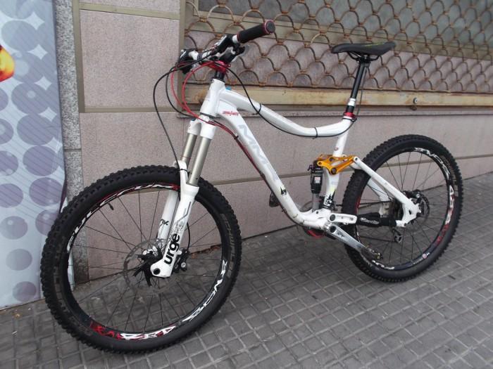 Bicicleta Enduro MMR Excess en