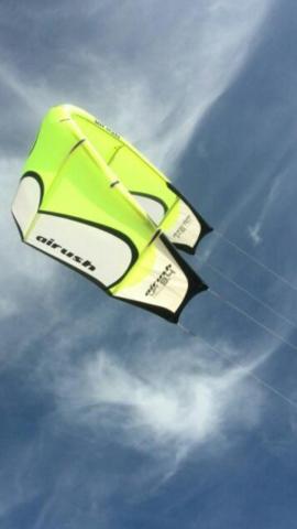 Se vende kitesurf de 12m o camcao por bici en