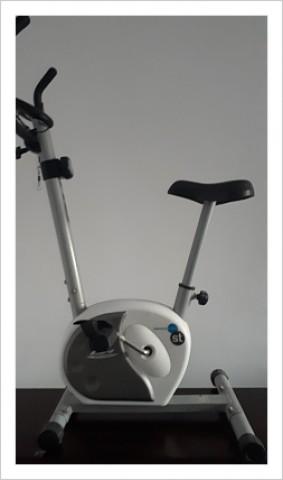 Se vende Bicicleta Estática de segunda mano Bh Fitness H261 en