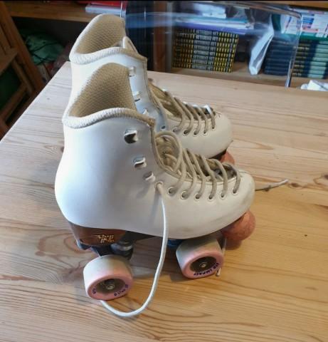 Patines de patinaje artístico en