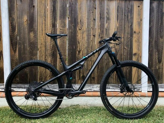 2019 Yeti SB100 29 Custom build mountain bike - mint condition! ready to ride en
