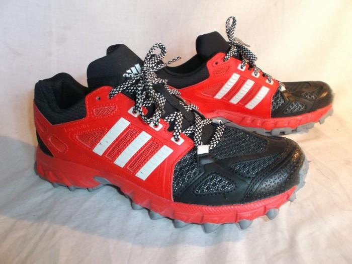 Zapatillas Trail Adidas Kanadia TR6 en